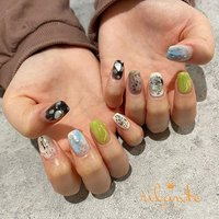 𓆸 . . 𓊿⌇ちぐはぐ ❤︎ ❥ free design . . .  nails by Rina 𓍢𓏲 ﹉﹉﹉﹉﹉﹉﹉﹉﹉﹉﹉﹉﹉﹉ free design ¥9000 +tax ( 90分アート パーツのせ放題 ) selection design ¥6500 +tax ( 50種類の決まったアートから選択 ) ﹉﹉﹉﹉﹉﹉﹉﹉﹉﹉﹉﹉﹉﹉ ご予約はDM . LINEからもお気軽にどうぞ ✉︎ ❤︎ nail salon rilante ☎︎0766-53-5758 LINE : @vzk7732x 高岡市佐野1169 open平日9:30-19:00(L.O) 土日祝9:00-18:00(L.O) close 月曜.第3日曜日 . #nail #nails #nailart #naildesign #nailist #art #instanails #fashion #네일 #美甲 #ネイル #ネイルアート #ネイルデザイン #ジェル #ジェルネイル #お洒落さんと繋がりたい #ファッション #高岡ネイルサロン #高岡ネイル #富山ネイルサロン #富山美容室 #高岡市美容室 #ネイルデザイン #トレンドネイル #春ネイル #ニュアンスネイル #個性派ネイル #ちぐはぐネイル #ピスタチオカラー #くすみカラー #春 #オールシーズン #ニュアンス #グリーン #グレー #ブラック #ジェル #お客様 #nail salon rilante #ネイルブック