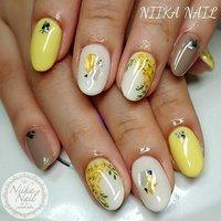 本日のお客様ネイル♡3/21 グレージュ×ホワイトにミモザネイル♪ #gel #gelnail #gelart #nail #nails #naildesign #nailart #nailartist #nailbook #mimosanail #yellownails #flowernails #ミモザネイル #イエローネイル #springnails #フラワーネイル #格安ネイル #春ネイル #ジェルネイル #美甲 #niika_nail #板橋区中台 #志村三丁目 #ツヤツヤ #キラキラ #可愛い #シンプル #春 #入学式 #デート #女子会 #ハンド #シンプル #フラワー #シェル #ショート #ホワイト #イエロー #グレージュ #ジェル #お客様 #Sa7e_Kurihara #ネイルブック