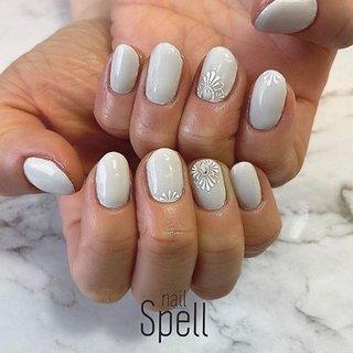 White💅 ︙ #gelnail#gel#nailspell#nailstagrame #nailsalonspell #nails #春ネイル#ネイル#手描きアート#ジェルネイル#ネイルデザイン#モロッカンネイル#ネイルブック #kokoist#シンプルネイル#上田市ネイルサロン#white nails #ホワイトネイル #nailSpell_azusa #ネイルブック