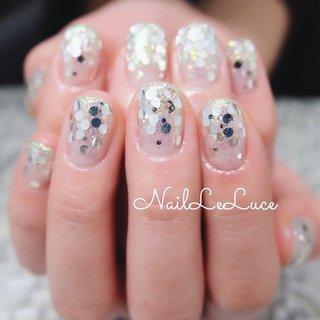 . *.+゚✩*.゚┴─┴┴─┴┴─┴  . 前回と同じをご所望でした ありがとうございます♡ . ホロのカラーを変え それに合うラメをmixして ふんわり色味をのせる♡ に大成功〜 . *.+゚┴─┴┴─┴┴─┴✩* . . . .  #nailstylist #nailsaddict #nailsnailsnails #coolnailart #frenchnails #simplenails #beautyas #ikebukuro #privetesalon #nailleluce #marblenails  #シンプルネイル #スタイリッシュネイル #シンプルなネイルが好き #シンプルだけどスタイリッシュ #池袋南口 #プライベートサロン #オトナ女子ネイル #気分が上がるネイル✨ #ホログラムネイルアート #キラキラホログラム #ホログラムグラデーションネイル  #透明感あるキラキラ #とぅるんとぅるん #hiramiu•*¨*☆*・゚〖NailLeLuce〗 #ネイルブック