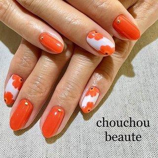 定額ネイル💅✨ 鮮やかなオレンジがステキです♪  #ワンカラーネイル #シェラックネイル #シュシュボーテ #長野市ネイル #長野市ネイルサロン #定額ネイル #マリメッコ #マリメッコネイル #オレンジネイル #お花ネイル @chouchou.beaute.nail #chouchou_beaute #ネイルブック