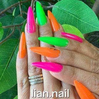 #ハンド #シンプル #ロング #ネオンカラー #ジェル #lian.nail〜リアンネイル〜 #ネイルブック