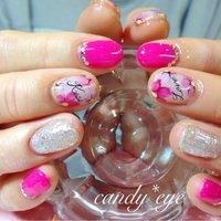 美容師さんのショートネイルはビビットなピンクに手描きフラワーが可愛い( ´ ▽ ` )ノ #ショート #ピンク #パープル #シルバー #candy_nail #ネイルブック