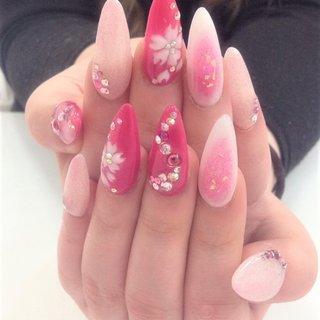 #春 #ハンド #ホログラム #フラワー #3D #チーク #ホワイト #ピンク #レッド #スカルプチュア #お客様 #ラ・レベル福岡 #ネイルブック