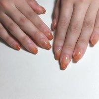 オレンジ色を塗りかけ風に。バレリーナカットのフリーエッジが、目立たぬよう、マオジェルでグラデーション。 しずくネイル、バブルネイルを加えて、可愛い春になりました。 #ハンド  #オレンジカラー  #バレリーナカット  #塗りかけニュアンスネイル  #フォルム形成  #フィルインベース一層残し #オールシーズン #ハンド #グラデーション #水滴 #ニュアンス #ロング #オレンジ #ジェル #zero_mam_nail #ネイルブック
