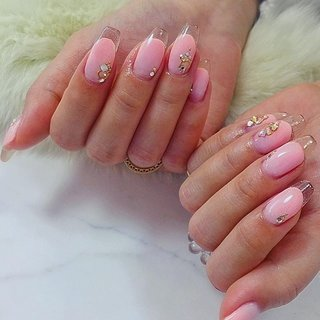 ". . ""Pink gradations × clear french"" . . Pink熱がいい感じ💗 . #luxurynailvoila  #makihorita  #nail  #nails  #jelnail #japannails  #tokyonails  #citygirls  #sculpturenails  #clearfrenchnails  #pinknails  #graduationnails  #swarovski  #fashion  #beautiful  #naildesign  #nailart  #newnails  #trend  #ラグジュアリーネイルヴォアラ #小岩ネイル  #小岩ネイルサロン #江戸川区ネイルサロン  #クリアスカルプネイル  #クリアフレンチネイル  #ピンクネイル  #グラデーションネイル  #海外風ネイル  #外国人風ネイル  #春ネイル #Nailist maki #ネイルブック"