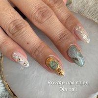 #夏 #海 #リゾート #ハンド #グラデーション #ラメ #シェル #ニュアンス #Private nail salon Dia nail #ネイルブック