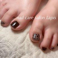 甘皮を切らない自爪育成ネイルケア®︎ フットネイル ポリッシュ仕上げ✨ . cool♪ 黒とクラック模様    . ※当店の自爪育成ネイルケア®とは 甘皮は切らず、甘皮と爪の間から 伸びている角質(ルースキューティクル)を 定期的に取り除き、良質なオイルを塗布することで 爪の育成を促進させます。  #nail #nails #nailart #polish #carecollar #shortnail #nailcaresalonLapis #ufv #ネイル #爪健美道 #美しい爪 #健康な爪 #マニキュア #ポリッシュ #『爪健美道®︎』#テラヘルツ波 #オフィスネイル #自爪育成ネイルケア®︎協会 #自爪育成ネイルケア®︎士 #ショートネイル #ケアカラー #海老名市河原口ネイルサロンLapis #海老名市河原口プライベートネイルサロンLapis #小田急線厚木駅徒歩7分 #JR相模線厚木駅徒歩7分 #魔法の靴下 #エアライズ取り扱いサロン #lipaddict取り扱いサロン #ufv正規取扱店 #整形リップ #オールシーズン #パーティー #デート #女子会 #フット #シンプル #ホログラム #ラメ #ワンカラー #ニュアンス #ショート #ブラック #メタリック #マニキュア #お客様 #mina37lapis #ネイルブック