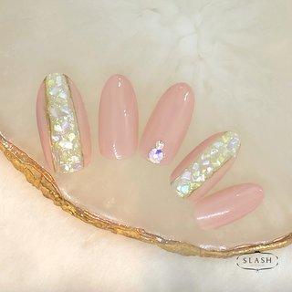 クラッシュシェルネイル✨ ピンクのワンカラーで上品なかわいさです♪  #春#春ネイル#春ネイル2020#シェル#シェルネイル#ピンク#ピンクネイル#定額ネイル #春 #夏 #ハンド #シンプル #シェル #ホワイト #ピンク #ジェル #ネイルチップ #slash_nail.tsukiyama #ネイルブック