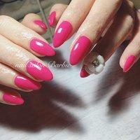 ビビットなピンク💕 カメリアと合わせれば可愛さ倍増‼︎✨  #シンプル  #ワンカラー  #ピンク  #カメリア  #3d  #カメリア #春 #夏 #オールシーズン #ブライダル #ハンド #シンプル #ワンカラー #フラワー #3D #ミディアム #ピンク #ビビッド #ジェル #お客様 #nailsalon_Barbie1101 #ネイルブック