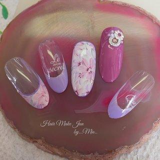 Purple flower  #パープル #フラワーアート #フレンチネイル #春デザインネイル #春ネイル2020 #hairmakejun #デートネイル #nail #naillist #nailart #nailartist #春 #オフィス #パーティー #デート #ハンド #フレンチ #フラワー #パープル #@mio@ #ネイルブック