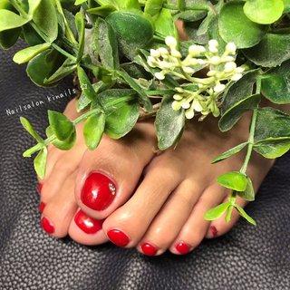 お客さまネイル💅  #ワンカラー #フットネイル  #レッドネイル  ハンドもフットも赤💅 素敵ですね✨ サンダルを履く季節が待ち遠しいですね✨  ありがとうございました😊   #今月のキャンペーンネイル の他にも#定額デザイン などたくさんのデザインご用意してあります! なかなかデザインが決まらなくても大丈夫ですよ♡   ☆ご予約はネイルブックまたはLINEよりお問い合わせください。 (※ LINE ID→『@bjs7546s』←@をつけたまま検索してください。) ☆ 最新の空き状況はプロフィール欄にあるURLよりご確認ください! ♡*:.✧ ♡*:.✧ ♡*:.✧ ♡*:.✧ ♡*:.✧ ♡*:.✧ ♡*:.✧ ♡*:.✧ #ジェルネイル#オリジナルネイルアート#ママネイリスト #ネイルデザイン#ママネイル #大人ネイル#nailart #インスタネイル #シンプルネイル  #旭市ネイルサロン #ルビケイト導入サロン  #2020#ネイルブック特集掲載店#時差投稿 #レッド #ジェル #お客様 #Nailsalon Kinails☆ #ネイルブック