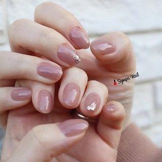 simple𓂃 ・ maogel ゾージュ3度塗り。 @misa_by_novel さんの グリッター(名前忘れた)を先端に少量。  ベースはパラジェルで自爪けずらず、フィルイン一層残し付け替えによりアセトン不使用で健康的な爪に。  お客様の白い手によく似合うカラー。 いつも遠くから有難うございます。 ・ ・ ・ ⚜︎ ⚜︎《HP》https://sympa-nail.amebaownd.com/ ⚜︎ ⚜︎ ・ ・ ・ #nails #naildesign #ネイルデザイン #黒川郡大和町 #泉区ネイルサロン #杜の丘 #杜の橋 #뷰티스타그램  #네일스타그램 #富谷 #fashion #吉岡 #おしゃれさんと繋がりたい #l4l #大和町ネイルサロン#富谷ネイルサロン #成田 #パラジェル富谷#nailstagram #パラジェル登録サロン仙台 #美甲#followme#sympanail #maogel導入サロン宮城#フィルイン導入サロン#大和町#maogel導入サロン#シンプルネイル #オールシーズン #ハンド #シンプル #ラメ #ベージュ #ピンク #ジェル #お客様 #Sympa nail #ネイルブック