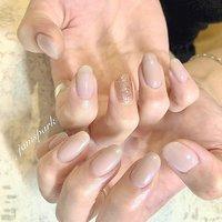 透け感ピンクのシンプルネイル💗 ワンポイントで一本だけラメに✨オプション  #💅 #nails #gelnail #naildesign #onecolornail #lame#officenails #elegantnails #datenail #pinkbeige#pink#simplenails #englishoksalon #ネイル #ジェルネイル #ネイルデザイン #ピンク#ベージュ#ピンクベージュ#グレージュ#透け感 #オフィスネイル #エレガント #ワンカラー #美爪 #シンプル #シンプルネイル #大人ネイル #モテネイル #デートネイル#可愛い #ミディアム #お子様連れ大歓迎 #ペット同伴可 #藤沢ネイルサロン #江ノ島駅ネイルサロン #春 #オールシーズン #オフィス #デート #ハンド #シンプル #ラメ #ワンカラー #シースルー #ミディアム #ベージュ #ピンク #グレージュ #ジェル #お客様 #jamspark #ネイルブック