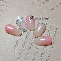 4月ネイルブック限定キャンペーン1 チューリップが可愛いデザイン✨ 3本の根元からピンクのグラデーションはチューリップの花びらをイメージして♡ ※ご覧になる環境によって色味が違って見える場合があります。 . . *-*-*-*-*-* 爪を見せるのが恥ずかしい 手が綺麗じゃないから💦 と言うお客様、大丈夫です。 ネイルサロンは手を綺麗にする所です(*^^*) そのままの状態でお越しください♡ 私と一緒に綺麗にしていきましょう✨ -*-*-*-*-*- . ご予約はプロフページにあるネイルブックから。 またはライン@huo6046uからおまちしております。  埼玉県三郷市プライベートネイルサロン petitplaisir〜ぷちぷれじーる〜  Instagram→@ai_nail.petitplaisir Twitter→ @petitplaisir_N  #ジェルネイル #gelnail  #gelnails  #naildesign  #埼玉県三郷市  #三郷市  #吉川市  #八潮市  #足立区  #三郷市ネイルサロン #三郷ネイル  #吉川市ネイルサロン  #八潮市ネイルサロン  #足立区ネイル  #プライベートネイルサロンPetitpPaisir  #ぷちぷれ  #lovely  #nail  #ネイル  #ネイルデザイン  #nailbook  #ネイルブック #ネイリスト  #OMDジェル  #プレストジェル #agehagel #プリジェル  #ネイル好きな人と繋がりたい #ネイルキャンペーン #チューリップネイル #春 #入学式 #パーティー #デート #ラメ #ワンカラー #グラデーション #フラワー #ホワイト #ベージュ #ピンク #ジェル #ネイルチップ #ainail #ネイルブック