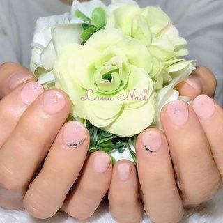 . 結婚式ご出席に合わせてご来店頂きました😊 普段はネイル💅🏻をされないこともあり派手なデザインには抵抗感があるそうなので、控え目ピンクのワンカラーで優しい雰囲気に🍀 反り爪もブォルム形成で補正し目立たなく仕上げました✨ ハレノヒのお手伝いをさせて頂けて嬉しいです🥰 . #ネイル #ネイルデザイン #シンプル #オールシーズン #上品 #ショート #ショートネイル #長岡京市ネイルサロン #オールシーズン #卒業式 #入学式 #オフィス #ハンド #シンプル #ホログラム #ビジュー #ショート #ピンク #ジェル #お客様 #lunanail2018 #ネイルブック