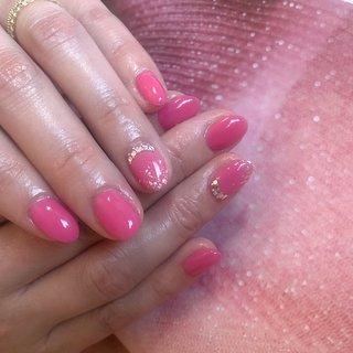 """pink nail.🌸💓🌸💓🌸  ピンクに少しだけ """"red"""" """"orange"""" をmixしたオリジナルapricot color🍑🍊🍎  ワンカラー こそ、パーソナルな爪のカウンセリング、ケアを大事に施術しています。  #pink#pinknail#ワンカラー #ピンクワンカラー #bijou#上品ネイル #nailsbymai#fanctiquesnail #佐世保#佐世保ネイル#佐世保ネイルサロン #佐世保パーソナルネイルサロン#佐世保スカルプ#佐世保ホワイトニング#佐世保セルフホワイトニング #ハンド #MAI #ネイルブック"""