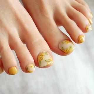 #ミモザネイル#イエロー#春ネイル#フットネイル#かわいい #ange nail salon #ネイルブック