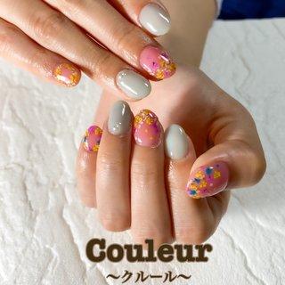 #フラワーネイル #ピンクネイル #オフィスネイル #春ネイル  モデルさんより、ドライフラワーを使ったネイルをとご要望頂き、モデルさんの好きな色のピンクと青を使って可愛らしく仕上げさせて頂きました(*´꒳`*) #春 #ハンド #押し花 #ミディアム #ピンク #水色 #ジェル #ネイルモデル #Couleur~クルール~ #ネイルブック