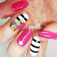 #ビジュー #ピンク ×ブラックボーダーは #好きなネイル デザイン♥️ #ハンド #ジェル #ネイルサロンpellb #ネイルブック