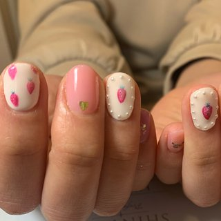 #ジェル #春ネイル  #いちごネイル  #苺ネイル  #くまちゃんネイル  #くまネイル #春 #Tom's nail #ネイルブック