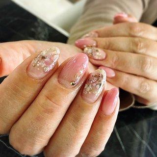 自爪でロングネイルキープ 保護も兼ねましたお手もとのお手伝いを 致します。 伸びた時の美しさを重視しました 施術を行います。 オールジャンルでお楽しみ頂けます幅広いデザインを ご提供致します。 #オフィスネイル #派手ネイル #シンプル #スワロフスキー #おしゃれネイル #自爪育成 #自爪育成サロン #フラワーネイル #春 #オールシーズン #入学式 #オフィス #シンプル #グラデーション #フラワー #クリア #ベージュ #ピンク #ジェル #aphrodite_nail #ネイルブック