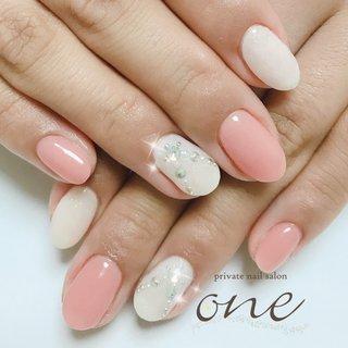 #ネックレスネイル #春 #オールシーズン #ビジュー #ホワイト #ピンク #オレンジ #private nail salon one #ネイルブック