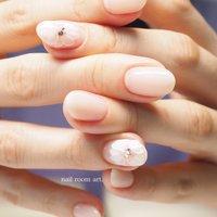 大人フラワー♡ #春 #オールシーズン #ハンド #フラワー #ホワイト #ピンク #ジェル #nail room art. #ネイルブック