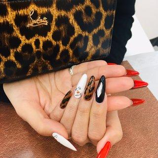 #ルブタンネイル #ヒョウ柄ネイル  #マリリンモンローネイル  #スカルプネイル 裏の赤が可愛いですね♡ #オールシーズン #ハンド #ワンカラー #ビジュー #ブランド柄 #レオパード #ロング #スカルプチュア #お客様 #Eyelash &Nail Room Carat #ネイルブック