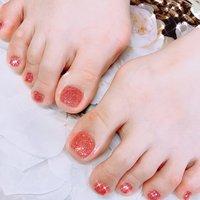 #レッドピンク #ラメ #フット #ワンカラー #ラメ #ピンク #レッド #ジェル #お客様 #あめちゃん #ネイルブック