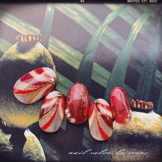 春の新作ネイル💅★*  赤を使って広がりのあるアートを🤩  ‧✧̣̥̇‧✦‧✧̣̥̇‧✦‧✧̣̥̇‧✦‧✧̣̥̇‧✦ 奈良大和郡山ネイル nail salon la reine ‧✧̣̥̇‧✦‧✧̣̥̇‧✦‧✧̣̥̇‧✦‧✧̣̥̇‧✦   #ゴージャスネイル #派手ネイル #個性派ネイル #プッチ  #プッチネイル  #奈良ネイル #大和郡山ネイル #美甲 #ネイルアート #ネイルデザイン #サンプルネイル #ネイルチップ #ネイルサンプル #新作ネイル #ハンド #ホログラム #ワンカラー #プッチ #ホワイト #レッド #ゴールド #ジェル #ネイルチップ #Akiko #ネイルブック