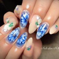 . わかさん @salon_de_waka のデザインをお持ち込み ブルーがとっても可愛いかったです❤️ . . #田川ネイルサロン#エアブラシネイル#エアブラシアート#フラワーネイル#フラワーアート#ブルーネイル #春 #夏 #オールシーズン #ハンド #グラデーション #フラワー #ベージュ #ブルー #ジェル #お客様 #N.Style #ネイルブック