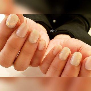 . #コロナが終わったら楽しんでみたいデザイン   オーロラが輝く奥行き感のあるネイルデザインです。 エレガントなcolorと派手になりすぎない オーロラの相性が素敵です💖 #シンプルネイル . 指先から春をお届けします  自爪の傷みが気になる。ジェルの持ちが悪い。 深爪を綺麗にしたい。お客さまお一人おひとりの悩みに寄り添い、美しい指先へと導きます。 . . . *.・.୨୧┈︎┈︎┈︎┈︎┈︎┈︎┈︎┈︎┈︎┈︎┈︎┈︎୨୧☆.⑅︎.*   春の期間限定キャンペーン&最新の空席はインスタtopURLからご確認ください♡  フォロー&👍ご覧下さりありがとうございます . . *.・.⑅︎୨୧┈︎┈︎┈︎┈︎┈︎┈︎┈︎┈︎┈︎┈︎┈︎┈︎୨୧⑅︎.・.*  #春ネイル #ネイルブック特集 #美甲 #nailstagram#nailbook #naildesigs#nailart #岡崎市#安城#豊田#幸田 #知立#岡崎#愛知 #愛知県#高浜 #岡崎市ネイルサロン#岡崎ネイルサロン #幸田町ネイル#豊田市 #幸田町#蒲郡 #岡崎市ブライダル  #オールシーズン #オフィス #パーティー #ハンド #ワンカラー #オーロラ #ショート #ベージュ #ピンク #✨esthetic&nail Luire*リュイール*✨ #ネイルブック