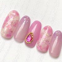 ピンクのニュアンス天然石 #ニュアンス  #天然石ネイル  #ピンク  #シェルストーン #ふりる #ネイルブック