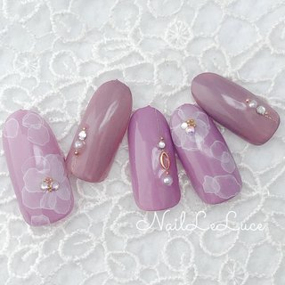 ┴─┴┴─┴┴─*.+゚✩.*˚ . ふんわりたらしこみも 紫陽花カラーで❁❀✿✾❀ . *.+゚✩.*˚┴─┴┴─┴┴─ . . . . #nailstylist #nailsaddict #nailsnailsnails #coolnailart #frenchnails #simplenails #beautyas #ikebukuro #privetesalon #nailleluce  #シンプルネイル #スタイリッシュネイル #シンプルなネイルが好き #池袋南口 #プライベートサロン #すみれ色ネイル #モーブカラーネイル #ブーケネイル #大人のネイルサロン #大人のネイルアート #オトナ女子ネイル  #手描きフラワーネイル #手描きフラワー #ふんわりお花ネイル #たらしこみフラワーネイル #たらしこみフラワー #hiramiu•*¨*☆*・゚〖NailLeLuce〗 #ネイルブック