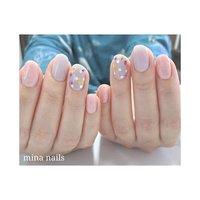ꕥ 押し花とドットが大人かわいい  オリジナルカラーの春パープルもお似合いです(^^) #春 #オフィス #パーティー #デート #ハンド #シンプル #ホログラム #ワンカラー #フラワー #ピンク #パープル #ジェル #お客様 #mina nails #ネイルブック