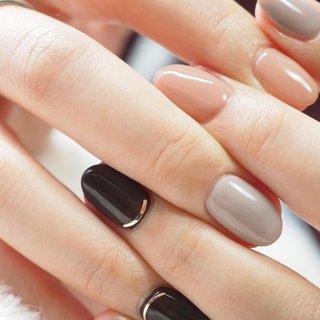 . いつも旭川でしている方のネイルです💅 3-4週間に1度付け替えてると言うことで 仕事や家事があっても美爪様でした🙂 . 私もケアビットとケア用品 プレパを変えたので 形になってきたかなと🙆♀️ . そんな美爪に映えるカラーは morecouture_jp  nailfumi 先生プロデュースカラー F602 . trina_by_bonnail  のブラウンとグレージュ #春 #秋 #ハンド #シンプル #ミディアム #クリア #ピンク #ブラウン #ジェル #お客様 #art_kumi #ネイルブック