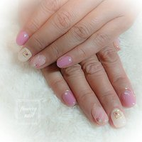 リピーター様ネイルになります。 店内サンプルを元に施術させて頂きました。 親指と薬指はシアーベージュの上にピンクとアイボリーでふんわり感たっぷりのニュアンスアートを。 柔らかい色合いで春先にピッタリのデザインとなっております。 是非ご利用下さいませ!     #新潟 #新潟市 #新潟県 #新潟ネイル  #新潟ネイルサロン #新潟市中央区ネイルサロン #春 #成人式 #バレンタイン #卒業式 #ハンド #ニュアンス #ショート #ベージュ #ピンク #ジェル #お客様 #flowerynail #ネイルブック