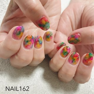 どんどんあげていきます 今日は雨が降りそうで、ひんやりしてきましたね。 鳥籠掃除などしました。  インクをどんどんじゃんじゃん使いました。 ぱーっと明るくていいですね。 こういうスカートが欲しいです。   #nail #nailstagram #nailart #ネイル #ハンドジェル #ショートネイル #派手ネイル #インクネイル #インクアート #ブリーディングインク #個性派ネイル #成増ネイル #成増ネイルサロン #練馬 #練馬ネイル #板橋 #板橋ネイル #東上線ネイル #東武練馬 #赤塚 #高島平 #光が丘 #ときわ台 #志木ネイル  #かかった人のTwitterとかみてると #おそろしくてガクブル #時を戻してほしい #あの3連休前に #オールシーズン #ハンド #タイダイ #たらしこみ #ショート #カラフル #ジェル #お客様 #NAILS 162 #ネイルブック
