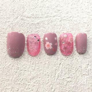 桜ネイルです #春 #ハンド #ショート #ピンク #マニキュア #ネイルチップ #yama0308 #ネイルブック