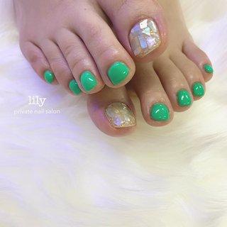shell× green💚 . . ありがとうございました♡ . . . #nail#nails #nailart #naildesign #nailstagram #nailsofinstagram #gelnails #footnail #springnails #shellnail #green#ネイル#ネイルデザイン #ネイルアート #ネイルサロン#ジェルネイル #フットネイル #シンプルネイル #グリーンネイル #春ネイル#シェルネイル #大阪ネイルサロン#堺市#高石#和泉府中#泉大津#和泉市#泉州#南大阪 #lily #ネイルブック