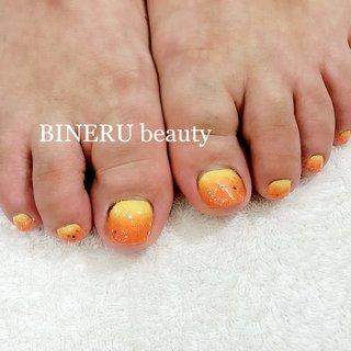 春のフットネイル💕🌸 #オレンジネイル #フットネイル #春ネイル #BINERU beauty #静岡ネイルサロン #BINERU beauty #ネイルブック