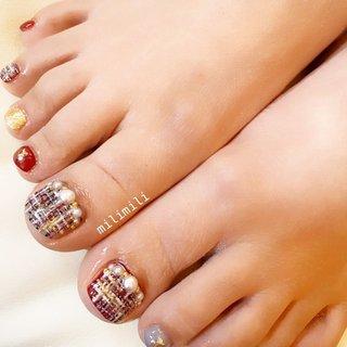 . フットネイル増えてきました☺︎ ボルドーとグレーのツイードネイル❤️🤍 .  #nails#springnails#onecolornails#simplenails#officenails#officenails#naturalnails#footnail#footnails#tweednails #tweednail#ネイル#大人ネイル#大人可愛いネイル#上品ネイル#可愛いネイル#春ネイル#オフィスネイル#ワンカラーネイル#フットネイル#ツイードネイル#ツイード#ボルドーネイル#鹿児島#鹿屋#都城#日南#串間#志布志#志布志ネイル#志布志milimili #春 #秋 #冬 #オールシーズン #フット #シンプル #ワンカラー #パール #ツイード #ショート #ボルドー #グレー #ゴールド #ジェル #milimili #ネイルブック
