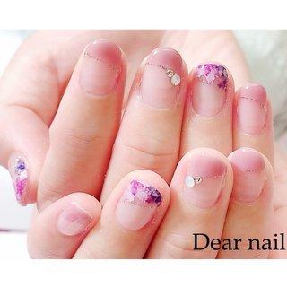 #お客様ネイル  以前撮ったお客様のネイルです  ななめフレンチのお花 紫ピンクVer. サンプルは青ですが、 紫ピンク色も可愛いです ( ᐛ )💓 お花はシールです🌷 お色に合わせてピンクのお花を 多めにしました  お店が開店できたら ぜひお試しください☆  #nail#nails#中村橋#中村橋ネイル#練馬ネイル#富士見台ネイル#練馬区ネイル#春ネイル#春ネイル2019#Dearnail#花柄ネイル#オフィスネイル#大人ネイル#上品ネイル#ピンクネイル#ななめフレンチネイル  #定額デザイン🅱️ #春 #オフィス #デート #女子会 #ハンド #シンプル #フレンチ #フラワー #ショート #ピンク #ジェル #お客様 #鈴子 #ネイルブック