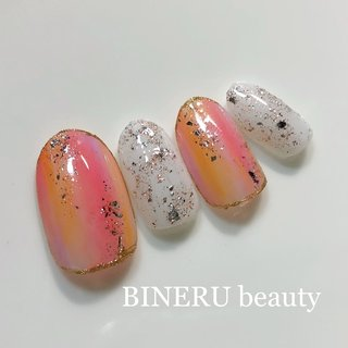 ビタミンカラーで元気をチャーージ💕💕 #ビタミンカラーネイル #元気が出るネイル #キラキラネイル #BINERU beauty #BINERU beauty #ネイルブック