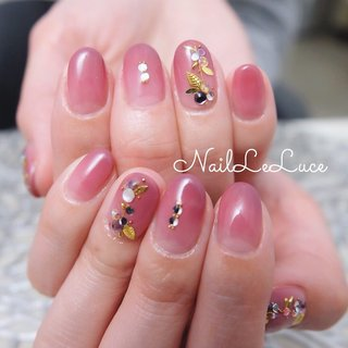 .✩.*˚┴─┴┴─┴┴─┴ . droplet leaves design🌿 こちらはamourで 肌なじみよい感じです♡ . ┴─┴┴─┴┴─┴✩.*˚ . . . .  #nailstylist #nailsaddict #nailsnailsnails #coolnailart #simplenails #ikebukuro #privetesalon #nailleluce  #orientalgarden #forestgreennails #beautifulnaildesign  #シンプルネイル #スタイリッシュネイル #春ネイル2020 #シンプルなネイルが好き #池袋南口 #プライベートサロン #大人可愛いネイル #オトナ女子ネイル #オフィスネイルシンプル #うるんちゅるんネイル #ちゅるんネイル  #透けすぎないネイル #ツヤ感ネイル #艶ネイルデザイン #艶っぽいネイル #春 #夏 #リゾート #パーティー #ハンド #シンプル #グラデーション #アンティーク #シースルー #ボタニカル #ショート #レッド #ボルドー #ジェル #お客様 #m.hirano•*¨*☆*・゚〖NailLeLuce〗 #ネイルブック