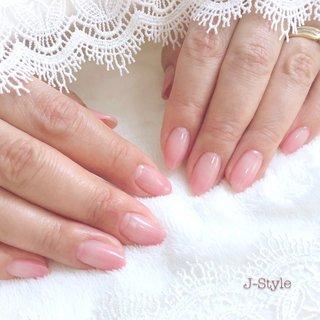 お客様ネイル♡ うるつやぷるん♡♡♡ シンプルなピンクベージュのカラーグラデーション。 先が見通せない今だから…シンプルなお仕上げにしました。 お手入れされた指先が、とっても綺麗です(*´꒳`*)♡ ・ ・ ・ 🌸お爪を健康なままジェルネイルを楽しみたい方♬ 🌸ジェルアレルギーでジェルネイルを諦めている方。 お気軽にお問い合わせください(*´˘`*)♡ ・ ♦︎シャイニージェルパワーベースマイスター ♦︎ネイルパフェジェルアンバサダー ♦︎コアジェルパフォーマンスアーティスト ・ *:ஐ(●˘͈ ᵕ˘͈)人(˘͈ᵕ ˘͈●)ஐ:* ・ #nail #nails #nailstagram #ネイル #シンプルネイル 🌹#シャイニージェル #ella #ellabyshinygel #shinygel #パワーベースマイスター #パワーベース #弱酸性ジェル #爪に優しいジェル 🌹#ネイルパフェジェル 🌹#コアジェル 中心にジェルを取り揃えております⭐️ #ネイルサロン #自宅ネイルサロン#jstyle #市川 #松戸 #矢切 #北国分 #ネイリスト #箱山淳子 @nailsalon.j_style #nailbook 掲載店♥️ #cancam #キャンキャン 掲載店♥️ #nailmax #ネイルマックス 掲載店♥️ #春 #オールシーズン #オフィス #デート #ハンド #シンプル #グラデーション #ミディアム #ベージュ #ピンク #ジェル #お客様 #♡J-Style♡byJUNKO #ネイルブック