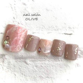 👡foot nail     #笑顔nail #footnail  #フット #ニュアンス  #ニュアンスフットネイル  #大理石 #大人可愛いネイル  #ピンク #グレージュ  #キレイ系ネイル #オールシーズン #フット #ワンカラー #大理石 #ホワイト #ピンク #グレージュ #ジェル #ネイルチップ #nail salon OLIVE #ネイルブック