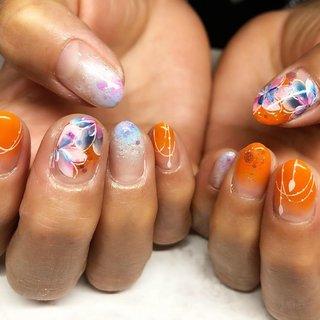 春はいろんなお花がいっぱいです❤️ 明るい気持ちになりたいから、オレンジ!伸びても気にならないグラデーション!でお任せでした❤️😍 , 花びらのグラデーションが綺麗〜❤️とか我ながら思ったり〜🤭💕💕笑笑 沖縄行けなくて残念そうでした😭はやくコロナ終息してほしいですね!! , いつもありがとうございます❤️ ,  #lucasnail #ルカネイル#名古屋ネイルサロン#ネイル#名古屋市南区#ネイルアート#トレンドネイル#野並#鶴里#ネイルサロン #ネイリスト#名古屋市緑区#名古屋市天白区#nail#名古屋ネイル#お任せネイル#派手ネイル#シンプルネイル#春ネイル#gel#南区#緑区#天白区#ネイルサロン名古屋#オレンジネイル #フラワーネイル #お花ネイル #きれいめネイル #大人ネイル #LUCAS NAIL #ネイルブック