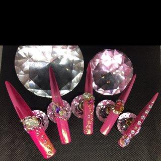 #エロカワイイ #ミラーネイル  #ビジュー #ギャルネイル  #アメーバマーズ #オールシーズン #ハンド #変形フレンチ #ラメ #ビジュー #スーパーロング #ピンク #レッド #ジェル #ネイルチップ #lady soul's nails #ネイルブック
